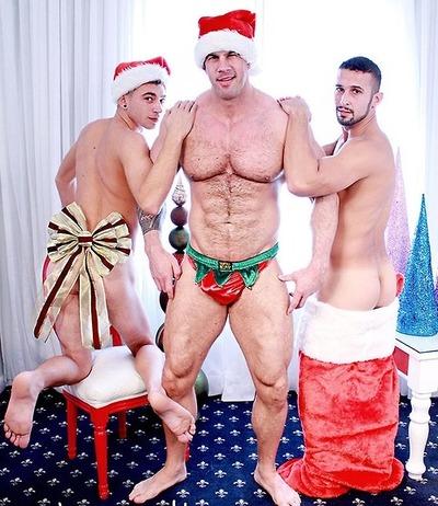 Atlas naked santa zeb