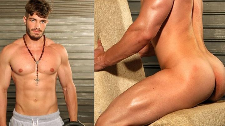 Moist homo males nailing in bedroom
